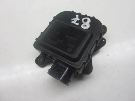 SILNICZEK NAWIEWU PASSAT B5 8D1820511B