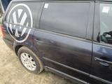VW PASSAT B5 KOMBI DRZWI PRAWE TYŁ TYLNE