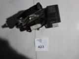 ZAMEK DRZWI TYLNY LEWY BMW E39 8352165
