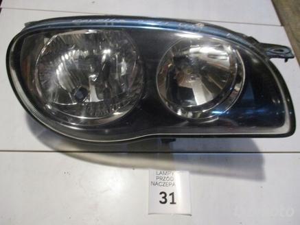 LAMPA PRZEDNIA PRAWA TOYOTA COROLLA 2011 LIFT UK