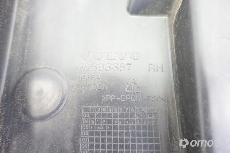 Volvo S60 lift ŚLIZG TYLNEGO ZDERZAKA prawy tył