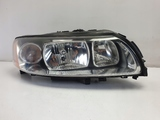 Volvo S60 V70 XC70 LIFT PRZEDNIA LAMPA PRAWA