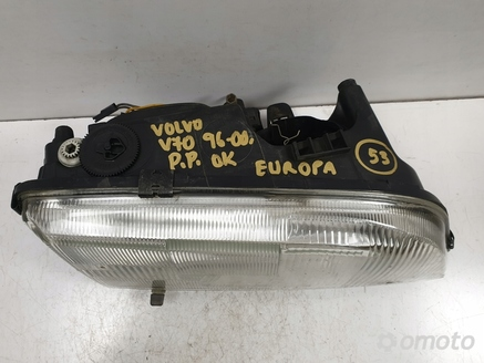 Volvo V70 I 96-00r PRZEDNIA LAMPA PRAWA europa