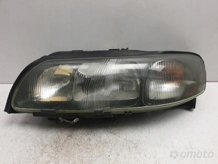 Volvo S60 V70 XC70 PRZEDNIA LAMPA LEWA europa