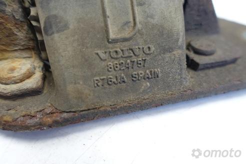 Volvo S60 V70 2.4 DOLNA PODUSZKA SILNIKA 8624757