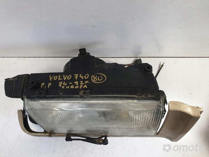 Volvo 740 84-92r PRZEDNIA LAMPA PRAWA europa