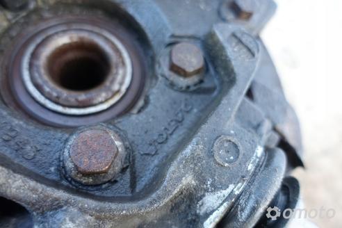 Volvo S60 2.4 T turbo ZWROTNICA PIASTA lewy przód