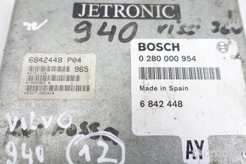 Volvo 940 2.4 STEROWNIK SILNIKA 6842448 Jetronic