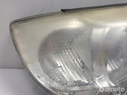 Subaru Forester II LIFT PRZEDNIA LAMPA PRAWA XENON