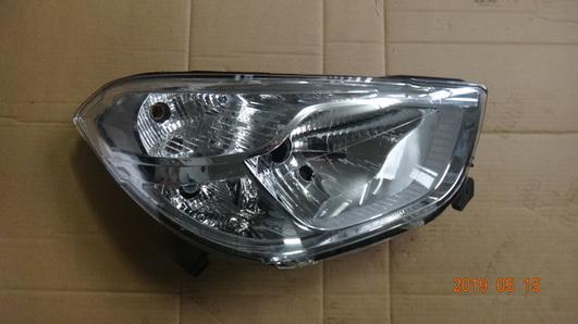 Dacia Lodgy 12- prawy reflektor