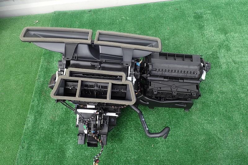 VW PASSAT B8 2.0TSI NAGRZEWNICA 3Q1820005AD