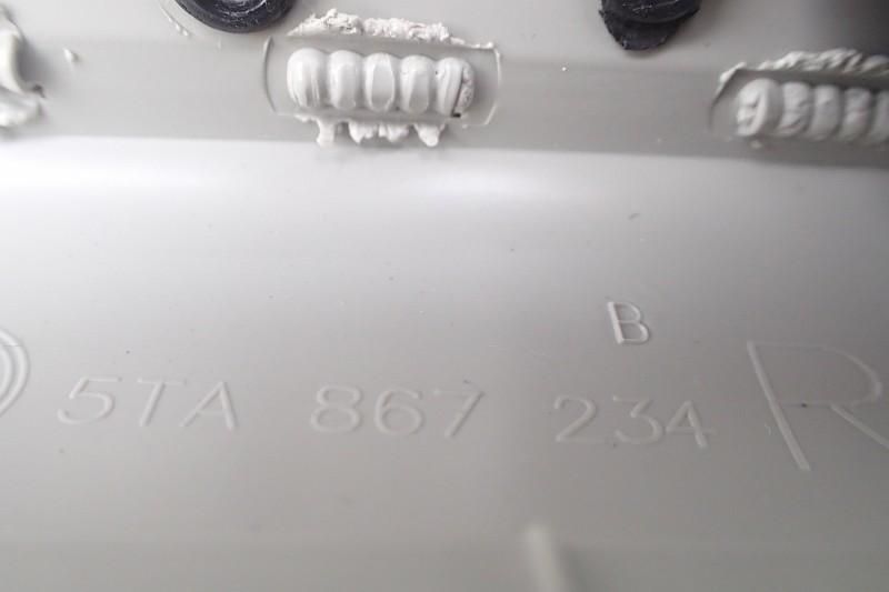 VW TOURAN OSLONA TAPICERKA SLUPKA PRAWA 5TA867234B