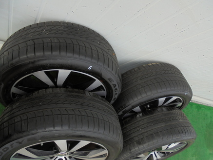VW TOUAREG 7P6 FELGI ALU Z OPONAMI 275/45R20 LATO