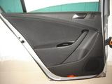 VW PASSAT B6 BOCZEK DRZWI TAPICERKA IDEALNA