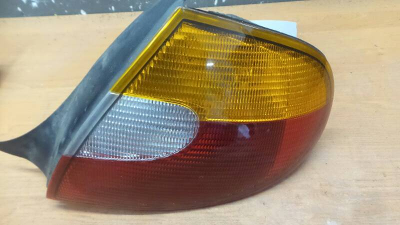 5288528 CHRYSLER NEON II 99-05 LAMPA PRAWA TYL