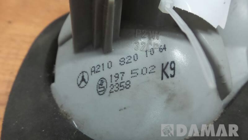 A2108201064 LAMPA TYLNA PRAWA  MERCEDES W210 1998