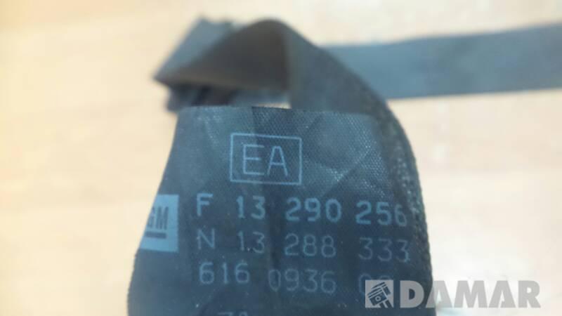 F13290256 PAS PRAWY  TYL OPEL CORSA D