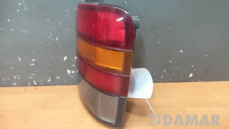 265559C001 LAMPA PRAWA NISSAN SERENA  97r
