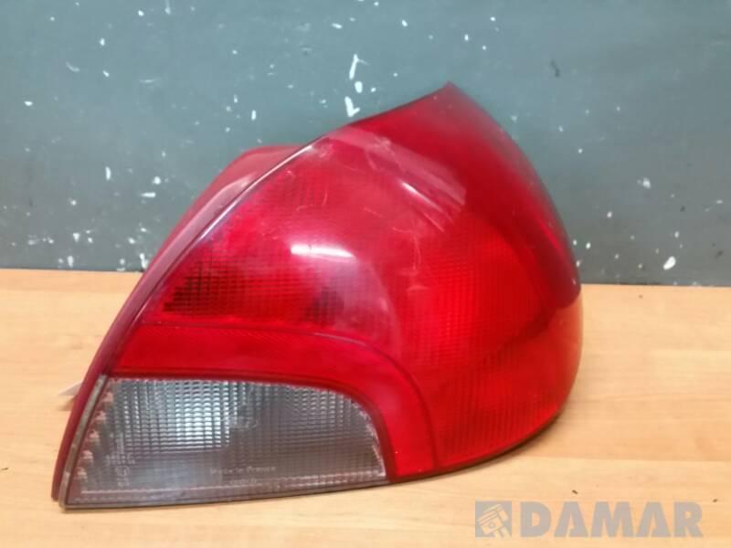 96BG13A602 LAMPA PRAWA FORD MONDEO MK2 99r