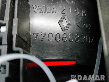 LAMPA PRAWA RENAULT SAFRANE B54 93r 7700808304