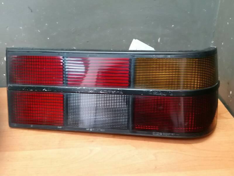 90045094 LAMPA PRAWA OPEL SENATOR A 84R