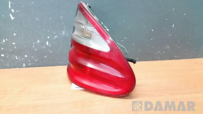 A2108205464  LAMPA PRAWA MERCEDES W210 01r EUROPA