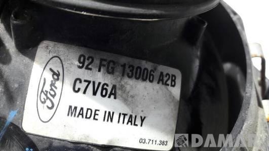 92FG13006A2B REFLEKTOR LEWY FORD FIESTA MK3