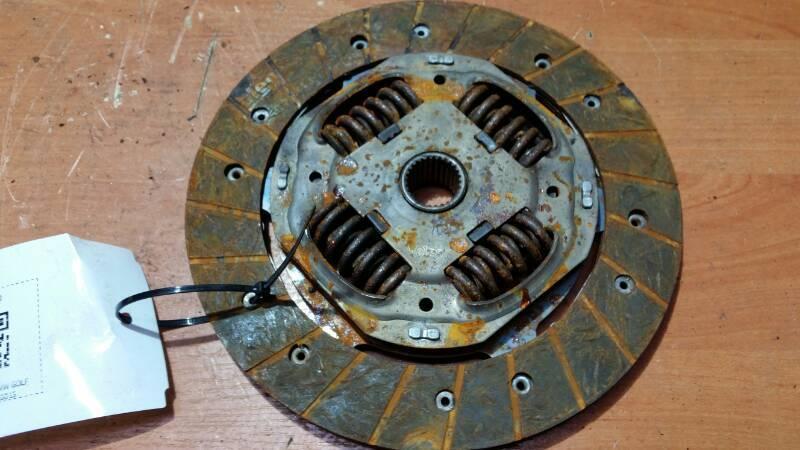 F410015 TARCZA SPRZEGLA VW GOLF V 1.4 2004r