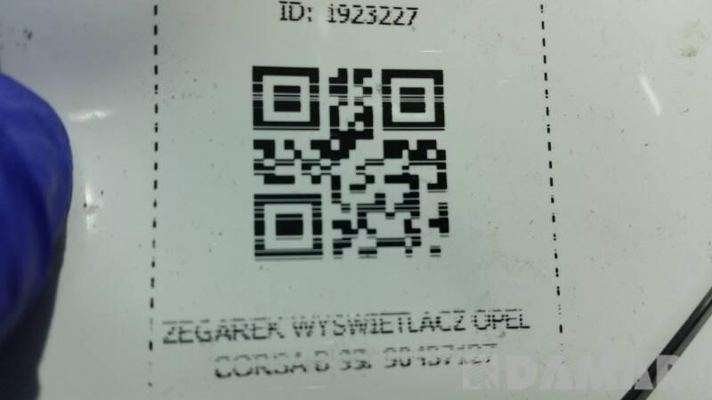 ZEGAREK WYSWIETLACZ OPEL CORSA B 99r 90437127