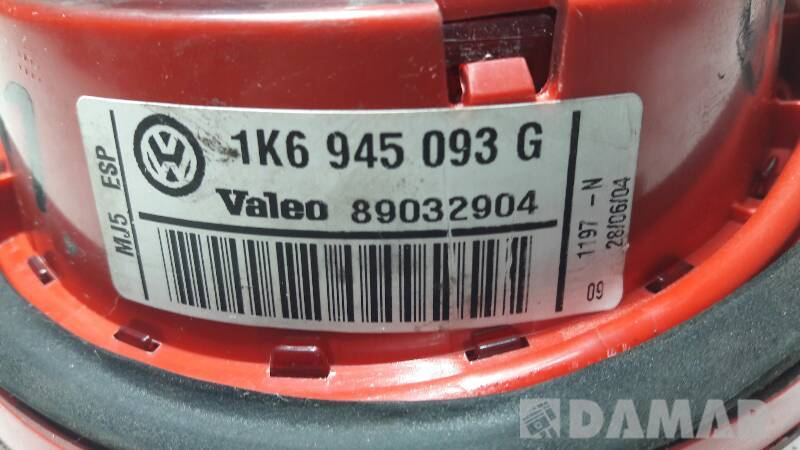 1K6945093G LAMPA LEWA TYLNA W KLAPE VW GOLF V