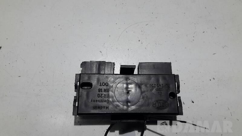 321945259 WKLAD LAMPY PRAWY WV CORRADO 94R