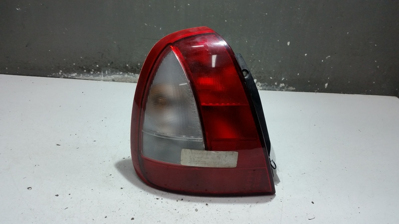 0311-000731 LAMPA LEWA TYLNA DAEWOO NUBIRA 4D 99R