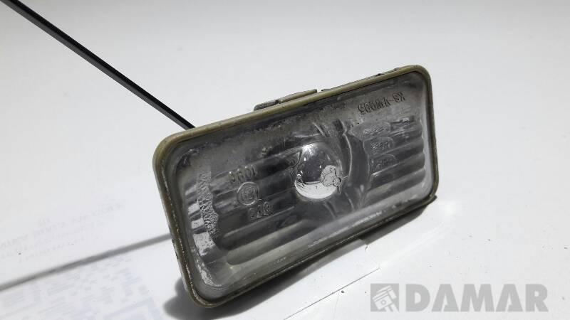 1H0949111 KIERUNKOWSKAZ BLOTNIKA BIALY VW GOLF III