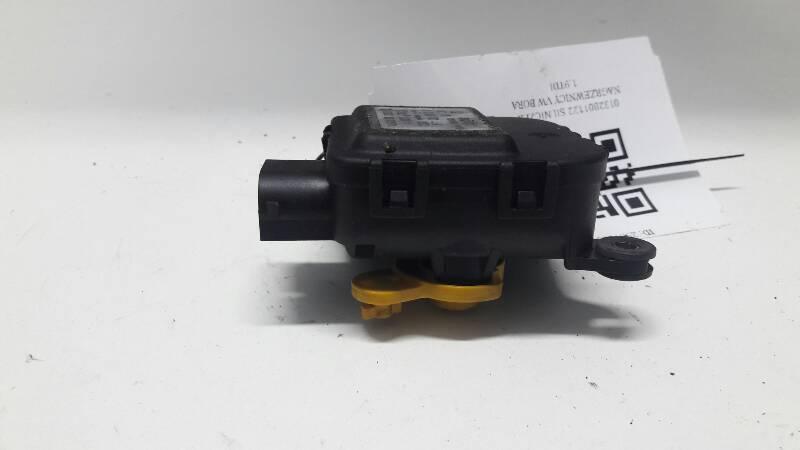 0132801122 SILNICZEK NAGRZEWNICY VW BORA  1.9TDI