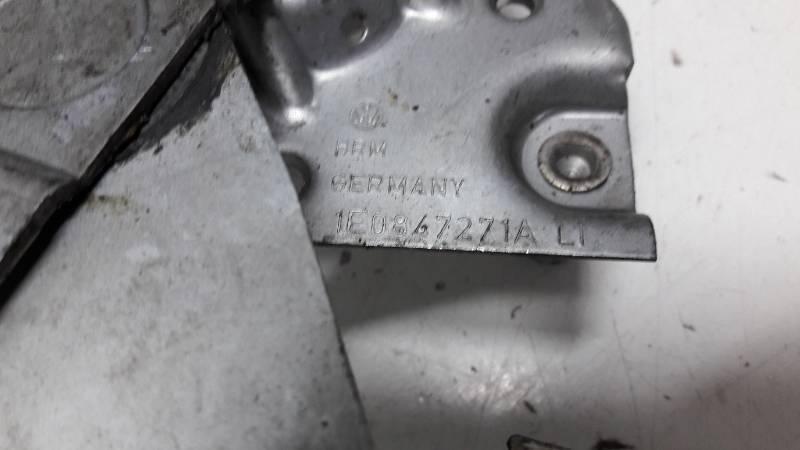 1E0847271A PODNOSNIK SZYB LEWY TYL VW GOLF 3 18I