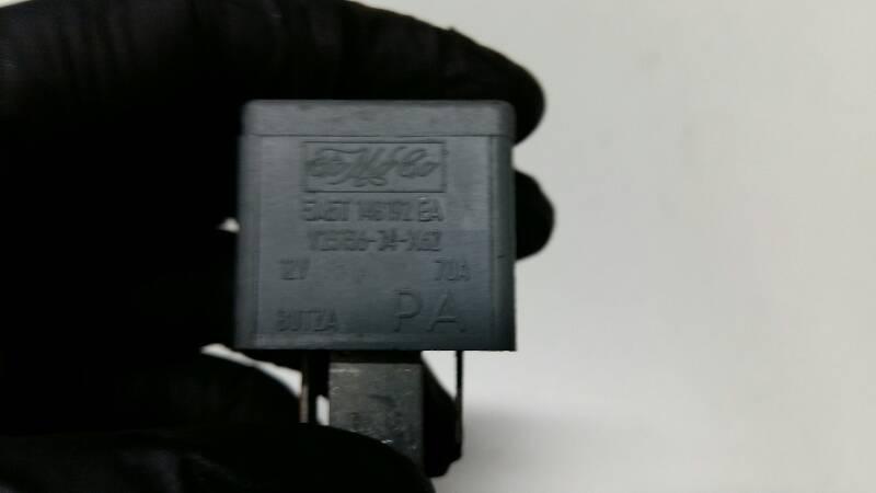 5M5T14B192EA PRZEKAZNIK FORD FOCUS MK2