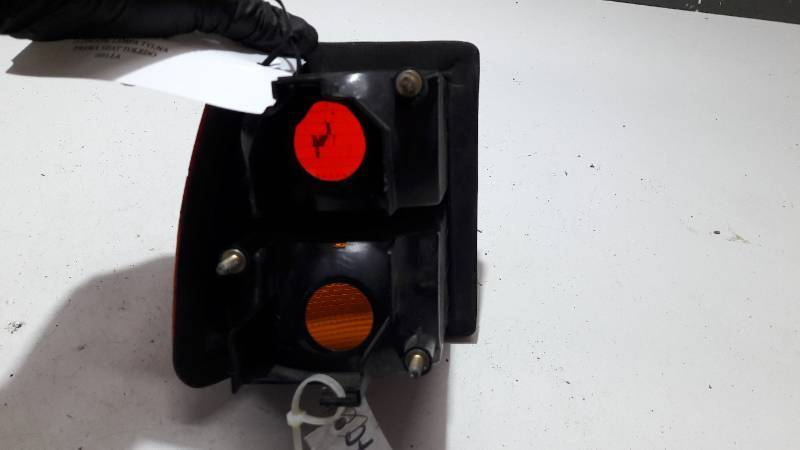1L0945096 LAMPA TYLNA PRAWA SEAT TOLEDO HELLA