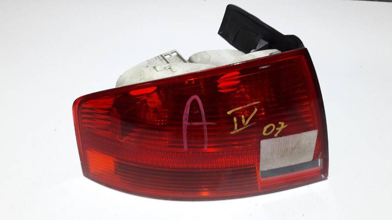 965037 LAMPA LEWY TYL AUDI A4 B7 SEDAN