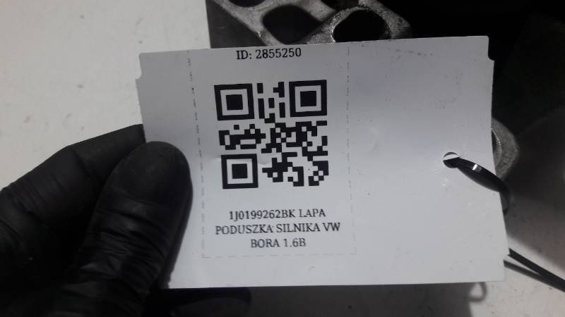 1J0199262BK LAPA PODUSZKA SILNIKA VW BORA 1.6B