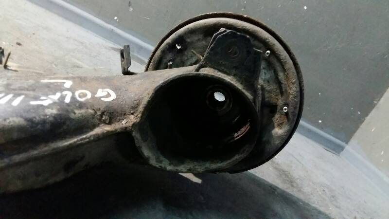 WAHACZ PRAWY TYL VW GOLF III SYNCRO 4x4