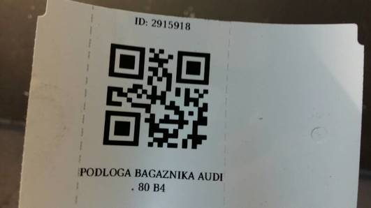 PODLOGA BAGAZNIKA AUDI 80 B4