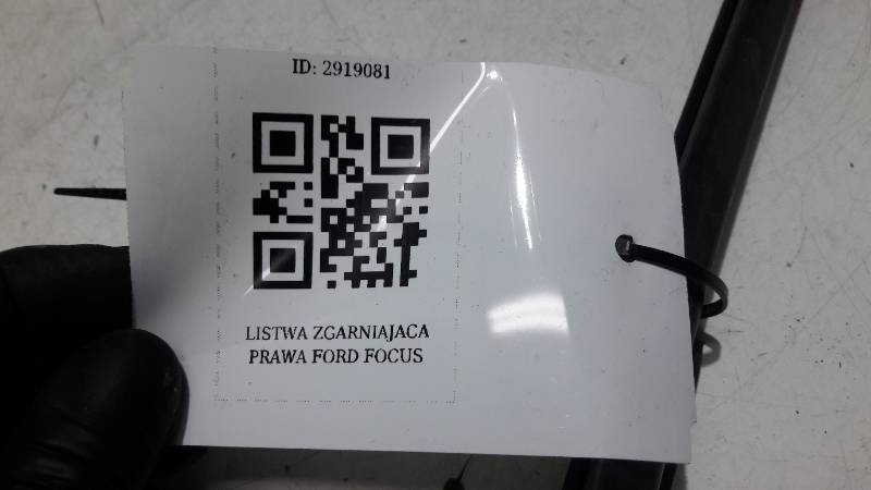 LISTWA ZGARNIAJACA PRAWA FORD FOCUS