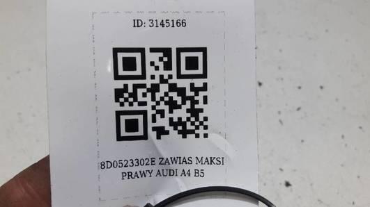 8D0823302B  ZAWIAS MAKSI PRAWY AUDI A4 B5