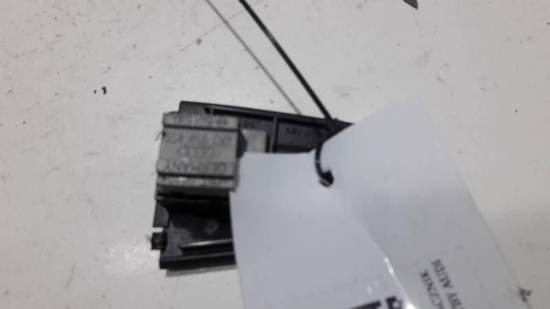 4B1959522 PRZELACZNIK OPUSZCZANIA SZYBY AUDI A6 C5