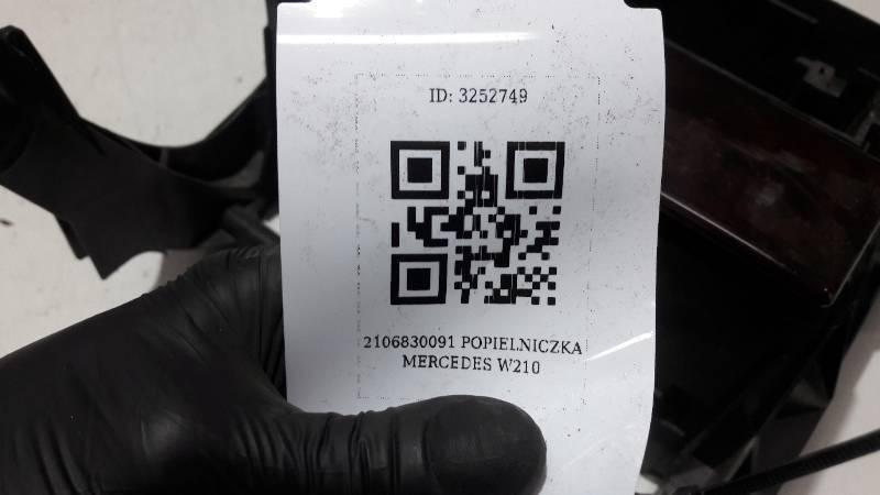 2106830091 SCHOWEK POLKA POD RADIO MERCEDES W210