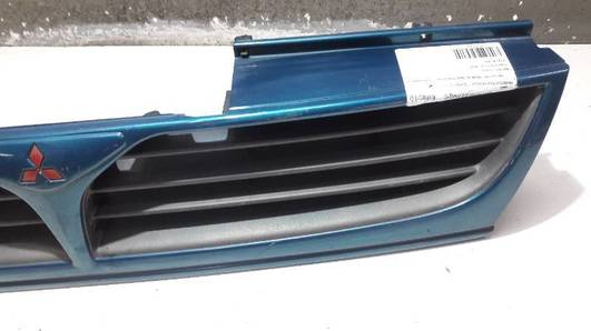 MR155554-5 GRILL MITSUBISHI SPACE RUNNER N10
