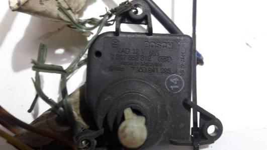 7M0941295 SILNICZEK REGULACJI LAMPY AUDI A4 B6