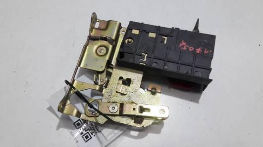 GK9827503 ZAMEK DRZWI PRAWY TYL INCA CADDY III