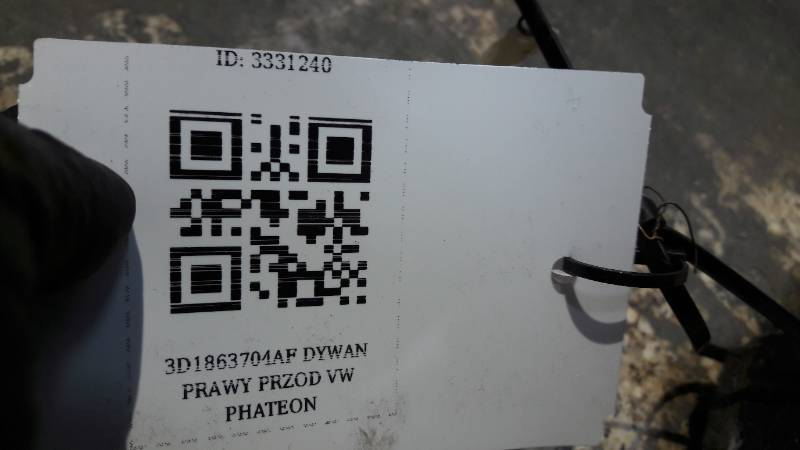3D1863704AF DYWAN PRAWY PRZOD VW PHATEON
