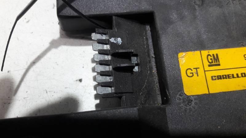 90568052 WKLAD LAMPY PRAWY TYL OPEL VECTRA B